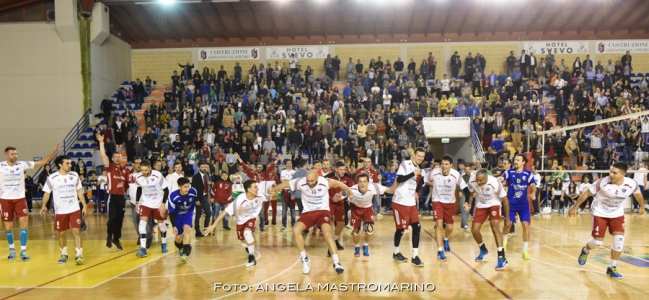 24-04-2017: #BMVolley - New Real Volley Gioia: Real imprendibile,il primo posto è in cassaforte!